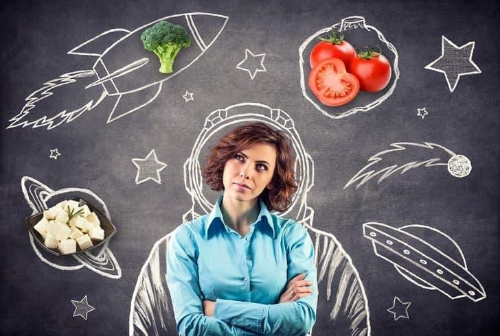 چه خوراکی هایی در رژیم غذایی فضانوردی می توان خورد